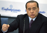 Il leader del Popolo della Liberta' Silvio Berlusconi parla durante l'incontro organizzato dalla Confartigianato a Roma, 27 marzo 2008..Leader of the People of Freedom center-right coalition Silvio Berlusconi speaks during an electoral meeting organized by Confartigianato handicrafts organization in Rome, 27 march 2008..UPDATE IMAGES PRESS/Riccardo De Luca