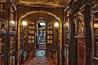 Europe/Royaume-Uni/Îles Anglo-Normandes/Île de Guernesey/Saint-Pierre-Port: Hauteville House, Maison de Victor Hugo, et Musée Victor Hugo<br /> La bibliothèque