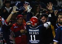 Leo Heras de los mayos conecta de bumerán en la quinta entrada para empatar el partido, durante el juego de beisbol de la Liga Mexicana del Pacifico temporada 2017 2018. Cuarto juego de la serie de playoffs entre Mayos de Navojoa vs Naranjeros. 05Enero2018. (Foto: Luis Gutierrez /NortePhoto.com)