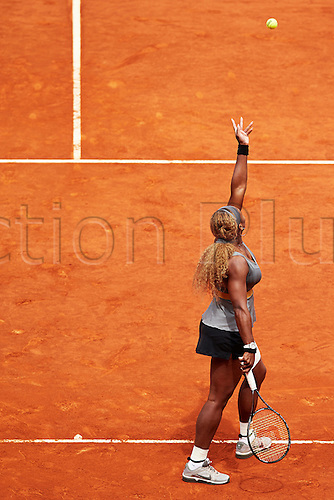 07.05.2014 Madrid, Spain. Serena Williams of USA serves during the game with Shuai Peng of China on day 4 of the Madrid Open from La Caja Magica.