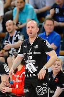 Trainer Stefan Madsen (HCL) verärgert, gibt Anweisungen