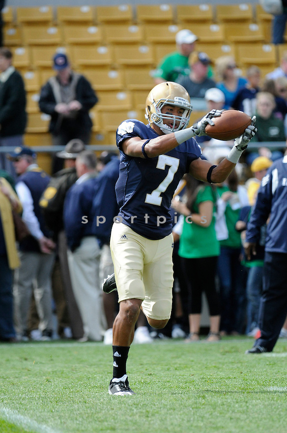 TJ JONES, of  Notre Dame, in action during the Irish's game against the  Purdue Boilermakers at Notre Dame Stadium in South Bend, Indiana September 4, 2010.   Notre Dame won the game 23-12.....