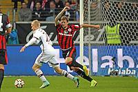 Sebastian Rode (Bayern) gegen Marco Russ (Eintracht) - Eintracht Frankfurt vs. FC Bayern München, Commerzbank Arena