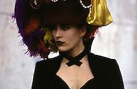 donna con cappello  femme au chapeau woman with hat