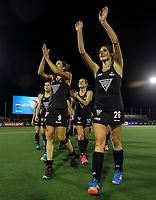 Blacksticks thank fans during the World Hockey League final between the Netherlands and New Zealand. North Harbour Hockey Stadium, Auckland, New Zealand. Sunday 26 November 2017. Photo:Simon Watts / www.bwmedia.co.nz