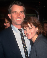Robert Kennedy Jr, Lorraine Bracco, 1998, Photo By John Barrett/PHOTOlink