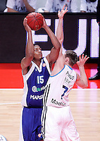 Real Madrid's Martynas Pocius (r) and Mapooro Cantu's Jeff Brooks during Euroleague 2012/2013 match.November 1,2012. (ALTERPHOTOS/Acero) /NortePhoto