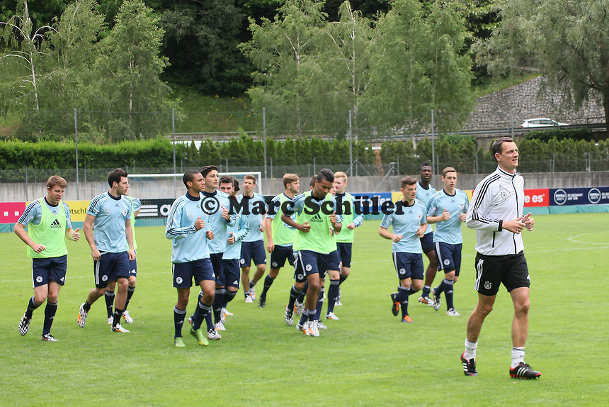 U20 beim Auslaufen - Training der Deutschen U20 Nationalmannschaft   im Rahmen der WM-Vorbereitung in St. Martin