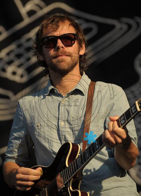 Highfield-Festival 2011 am Störmthaler See. im Bild: The National, Aaron Dessner. Foto: Alexander Bley