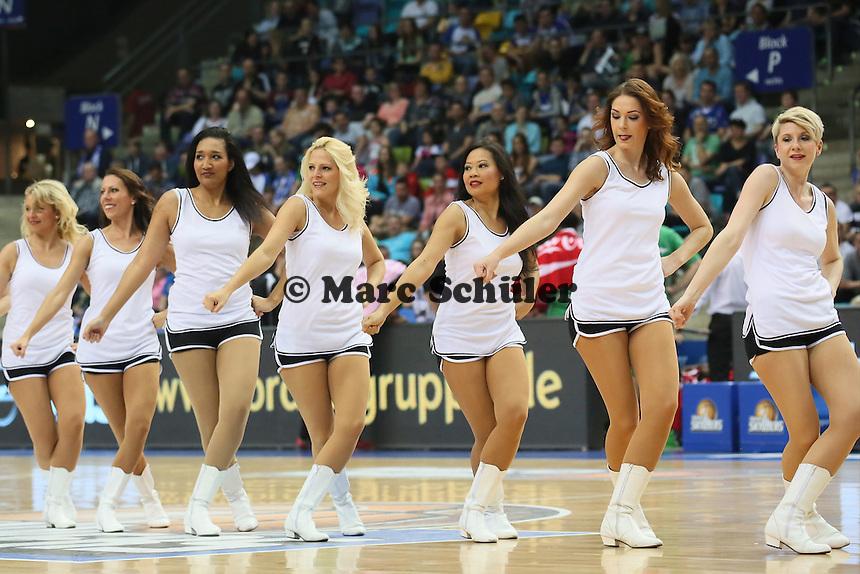 Fraport Skyliners Dance Team - Fraport Skyliners vs. TBB Trier, Fraport Arena Frankfurt