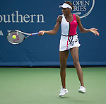 Venus Williams (USA) Defeats Samantha Stosur  (AUS) 6-2, 6-7, 6-4.