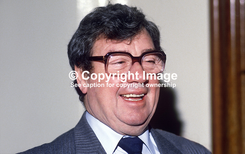 Frank Carson, born Belfast, N Ireland, comedian, comic, actor, 19860103FC2..Copyright Image from Victor Patterson, 54 Dorchester Park, Belfast, United Kingdom, UK...For my Terms and Conditions of Use go to http://www.victorpatterson.com/Victor_Patterson/Terms_%26_Conditions.html