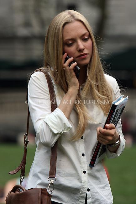 WWW.ACEPIXS.COM . . . . .  ....August 18 2009, New York City....Actress Amanda Seyfried was on the midtown Manhattan set of the new movie 'Letters to Juliet' on August 18 2009 in New York City....Please byline: AJ Sokalner - ACEPIXS.COM..... *** ***..Ace Pictures, Inc:  ..tel: (212) 243 8787..e-mail: info@acepixs.com..web: http://www.acepixs.com