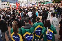 SAO PAULO, SP, 17 de junho 2013- Manifestantes no Lago da Batata em Pinheiros contra o aumento da passagem-   ADRIANO LIMA / BRAZIL PHOTO PRESS).