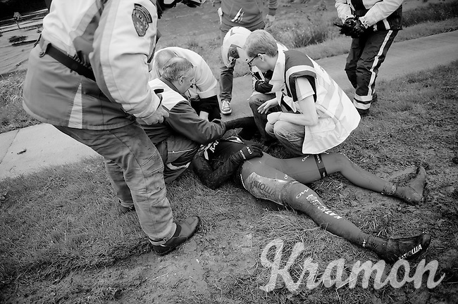 Marco Haller (AUT/Katusha) crashed heavily and is attended by medics.<br /> He was forced to abandon the race.<br /> <br /> 70th Dwars Door Vlaanderen 2015