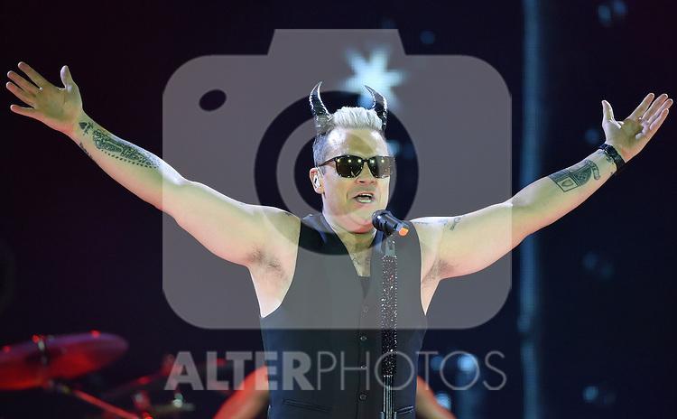 Robbie Williams - concert 'Let Me Entertain You Tour'