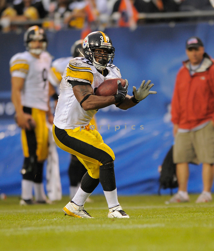 WILLIE PARKER,of the Pittsburgh Steelers , in action during the Steelers  game against the Chicago Bears on September 20, 2009 in Chicago, IL.  The Bears beat the Steelers 14-7.