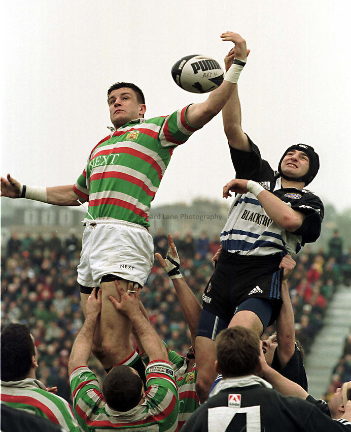 Photo. Richard Lane. Bath v Leicester. 3/4/99..Martin Corry beats Steve Borthwick to the ball.