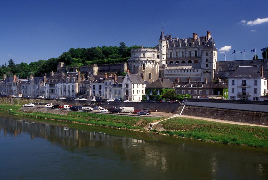 castle, Amboise, France, Loire Valley, Loire Castle Region, Indre-et-Loire, Europe, 15th century Chateau Amboise along the Loire River in the city of Amboise.