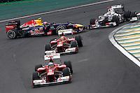 ATENCAO EDITOR: FOTO EMBARGADA PARA VEICULO INTERNACIONAL - SAO PAULO, SP 25 DE NOVEMBRO 2012 - FORMULA 1 GP BRASIL - O piloto espanhol Fernando Alonso (a frente) durante o Grande Premio do Brasil de Formula 1, no autodromo de Interlagos, zona sul da capital, neste domingo.FOTO: PIXATHLON - BRAZIL PHOTO PRESS