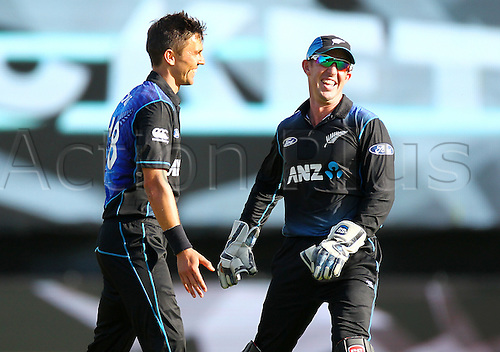 25.01.2016. Basin Reserve, Wellington, New Zealand. New Zealand versus Pakistan One Day International Cricket. Trent Boult & Luke Ronchi celebrate victory during the 1st ODI cricket match between the New Zealand Black Caps and Pakistan