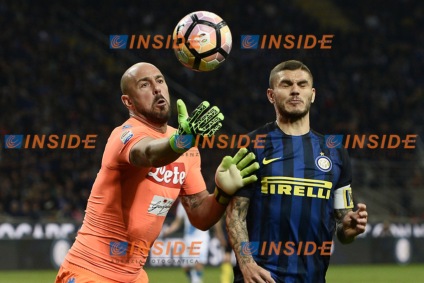 Josep Reina Napoli, Mauro Icardi Inter <br /> Milano 30-04-2017 Stadio Giuseooe Meazza Football Calcio Serie A 2016/2017 Inter - Napoli <br /> foto Image Sport/Insidefoto