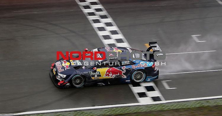DTM 2015, 01.Lauf Hockenheimring, 01.05. - 03.05.15 <br /> Zieldurchfahrt<br /> Mattias Ekstr&ouml;m (SWE#5) Audi Sport Team Abt Sportsline Audi RS 5 DTM <br /> <br /> <br /> Foto &copy; nordphoto /  Bratic