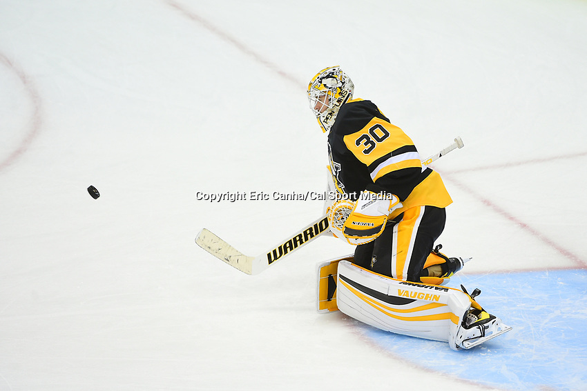 May 15, 2017: Pittsburgh Penguins goalie Matt Murray (30) warms up before game two of the National Hockey League Eastern Conference Finals between the Ottawa Senators and the Pittsburgh Penguins, held at PPG Paints Arena, in Pittsburgh, PA. Pittsburgh defeats Ottawa 1-0 in regulation to tie the series 1-1. Eric Canha/CSM
