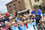 Esteban Chaves (COL) Mitchelton-Scott in the Mountains Maglia Azzurra arrives at sign before the start of Stage 9 of the 2018 Giro d'Italia, running 225km from Pesco Sannita to Gran Sasso d'Italia (Campo Imperatore), this year's Montagna Pantani, Italy. 13th May 2018.<br /> Picture: LaPresse/Fabio Ferrari | Cyclefile<br /> <br /> <br /> All photos usage must carry mandatory copyright credit (&copy; Cyclefile | LaPresse/Fabio Ferrari)