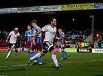 Billy Sharp of Sheffield Utd celebrates scoring the winning goal - English League One - Scunthorpe Utd vs Sheffield Utd - Glandford Park Stadium - Scunthorpe - England - 19th December 2015 - Pic Simon Bellis/Sportimage