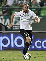 PALMIRA - COLOMBIA, 21-08-2019: Hernan Barcos de Nacional en acción durante el partido entre Deportivo Cali y Atlético Nacional por la fecha 7 de la Liga Águila II 2019 jugado en el estadio Deportivo Cali de la ciudad de Palmira. / Hernan Barcos of Nacional in action during match for the date 7 between Deportivo Cali and Atletico Nacional of the Aguila League II 2019 played at Deportivo Cali stadium in Palmira city. Photo: VizzorImage / Gabriel Aponte / Staff