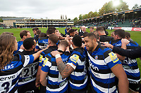 Bath Rugby huddle together after the match. Aviva Premiership match, between Bath Rugby and Worcester Warriors on October 7, 2017 at the Recreation Ground in Bath, England. Photo by: Patrick Khachfe / Onside Images