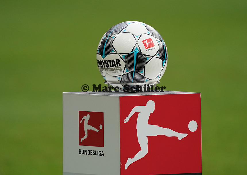Spielball liegt bereit - 23.11.2019: Eintracht Frankfurt vs. VfL Wolfsburg, Commerzbank Arena, 12. Spieltag<br /> DISCLAIMER: DFL regulations prohibit any use of photographs as image sequences and/or quasi-video.