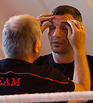 23.08.2011, Stanglwirt, Going, AUT, Vitali Klitschko, Training, im Bild Trainer Fritz Sdunek massiert Vitali Klitschkomit Creme im Gesicht // during a trainingssession at Hotel Stanglwirt in Going, Austria on 23/8/2011. EXPA Pictures © 2010, PhotoCredit: EXPA/ J. Groder