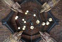 Nederland - Amsterdam -  21 april 2018. Scheepvaarthuis - Grand Hotel Amrath. Het Scheepvaarthuis is ontworpen door J.M van der Mey. Plafond bij de entree.   Foto Berlinda van Dam / Hollandse Hoogte