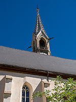 Kirche in Sent bei Scuol, Unterengadin, Graubünden, Schweiz, Europa<br /> Church inSent, Scuol Valley, Engadine, Grisons, Switzerland