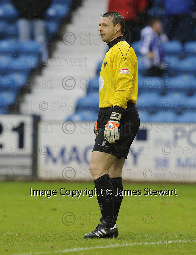 24/10/2009  Copyright  Pic : James Stewart.sct_jspa19_kilmarnock_st_johnstone  . :: ALAN MAIN AFTER KEVIN KYLE KNOCKED THE BALL INTO THE EMPTY NET :: .James Stewart Photography 19 Carronlea Drive, Falkirk. FK2 8DN      Vat Reg No. 607 6932 25.Telephone      : +44 (0)1324 570291 .Mobile              : +44 (0)7721 416997.E-mail  :  jim@jspa.co.uk.If you require further information then contact Jim Stewart on any of the numbers above.........