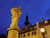 Turm des Michaeler Tor und und Br&uuml;ckenfigur auf der Michalska, Bratislava, Bratislavsky kraj, Slowakei, Europa<br /> Tower of Michaeler Gate and statue on bridge, Bratislava, Bratislavsky kraj, Slovakia, Europe