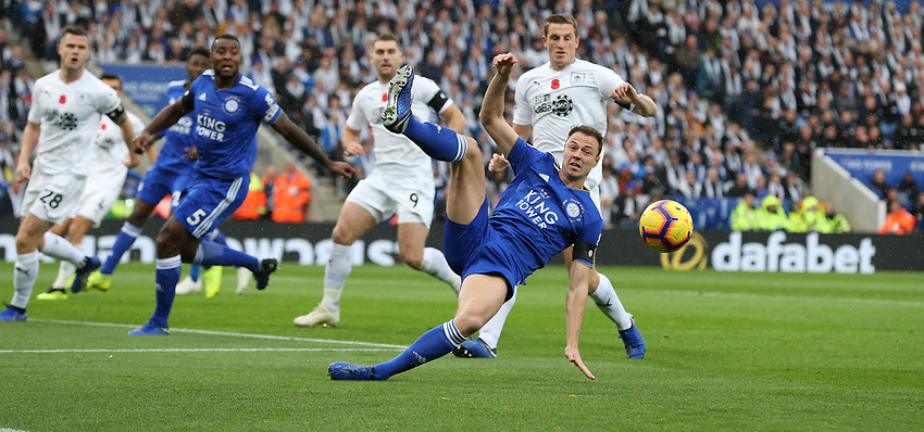 Leicester City's Jonny Evans just fails to control this cross<br /> <br /> Photographer Stephen White/CameraSport<br /> <br /> The Premier League - Saturday 10th November 2018 - Leicester City v Burnley - King Power Stadium - Leicester<br /> <br /> World Copyright © 2018 CameraSport. All rights reserved. 43 Linden Ave. Countesthorpe. Leicester. England. LE8 5PG - Tel: +44 (0) 116 277 4147 - admin@camerasport.com - www.camerasport.com