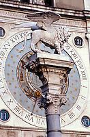 Italien, Venetien-Friaul, Padua, Uhrturm und Löwe