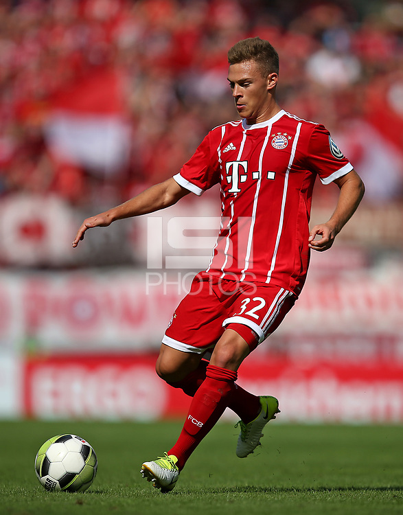 12.08.2017, Football DFB Pokal 2017/2018, 1. round, Chemnitzer FC - FC Bayern Muenchen, stadium an Gellertstrasse. Joshua Kimmich (Bayern Muenchen)  *** Local Caption *** &copy; pixathlon<br /> <br /> +++ NED + SUI out !!! +++<br /> Contact: +49-40-22 63 02 60 , info@pixathlon.de