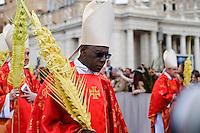 Città del Vaticano, 13 Aprile, 2014. Il Cardinale Robert Sarah durante la celebrazione della messa in Vaticano in occasione della Domenica delle palme. Cardinal Robert Sarah attends Palm Sunday Mass celebrated by Pope Francis at St. Peter's Square.