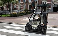 Nederland  Amsterdam - 2020.  Elektrisch voertuig Biro. De Biro ziet er uit als een kruising tussen een golfkarretje en de (vooral onder ouderen) populaire Canta.    Foto  ANP / Hollandse Hoogte / Berlinda van Dam