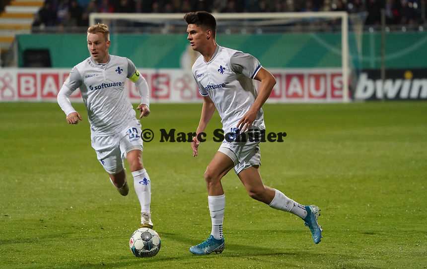 Mathias Honsak (SV Darmstadt 98) - 29.10.2019: SV Darmstadt 98 vs. Karlsruher SC, Stadion am Boellenfalltor, 2. Runde DFB-Pokal<br /> DISCLAIMER: <br /> DFL regulations prohibit any use of photographs as image sequences and/or quasi-video.