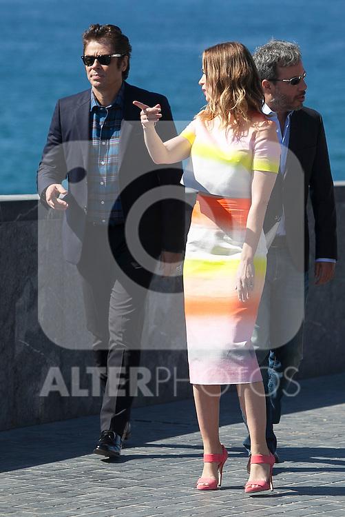 Benicio del Toro and Emily Blunt pose during the `Sicario´ film presentation a 63rd Donostia Zinemaldia (San Sebastian International Film Festival) in San Sebastian, Spain. September 19, 2015. (ALTERPHOTOS/Victor Blanco)