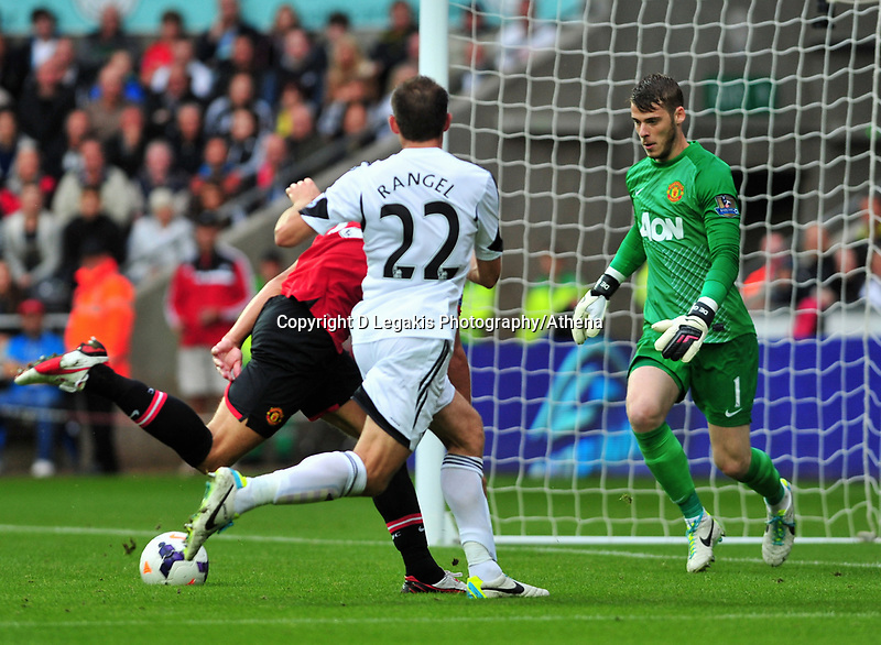 Angel Rangel's missed opportunity on goal. <br />