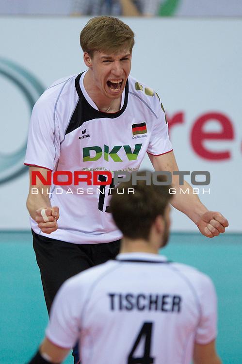 09.05.2012, Armeec Arena, Sofia, BUL, Olympiaqualifikation Volleyball, Vorrunde, Deutschland (GER) vs. Finnland (FIN), im Bild Jubel Max Günthör / Guenthoer (#15 GER / Haching GER), Simon Tischer (#4 GER / Krasnodar RUS) // during the 2012 Olympic Games European Qualification at Armeec Arena, Sofia, BUL, Germany (GER) vs. Finland (FIN), 2012-05-09. Foto © nph / Kurth *** Local Caption ***