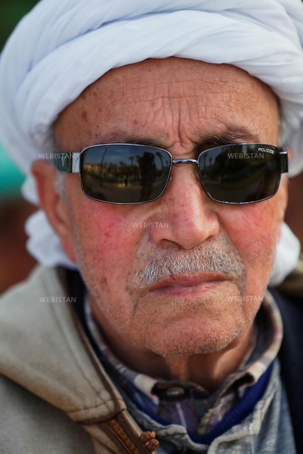 Algerie. Village El Malah _ Rio Salado. 14 Avril 2011.Portrait d'un vieil homme (&quot;hadj&quot;).<br />