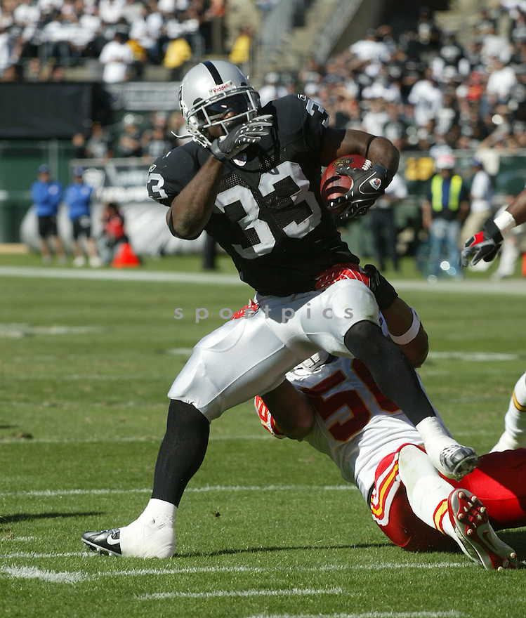 DOMINIC RHODES of the Oakland Raiders, in action during the Raiders game against the Kansas City Chiefs on October 21, 2007 in Oakland, California...Chiefs win 12-10..SportPics