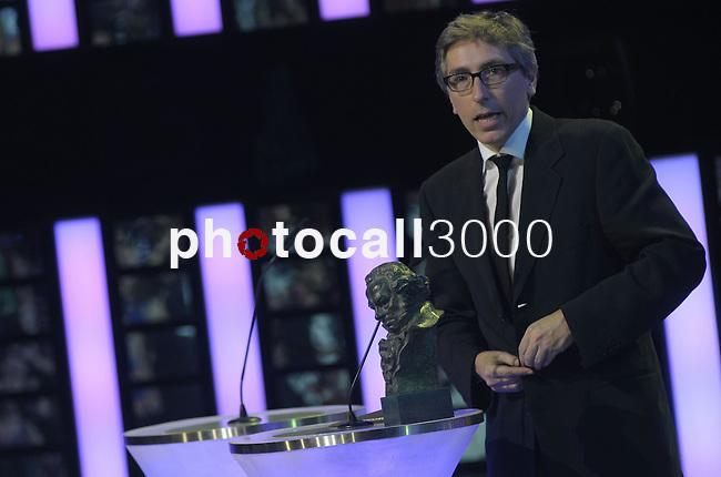 "David Trueba gives a speech after winning the Goya award for best director for the film  ""Vivir es facil con los ojos cerrados"" at the Goya Film Awards ceremony in Madrid on February 9, 2014. Photo by Ivan Espinola/ DyD FOTOGRAFOS-DYDPPA"